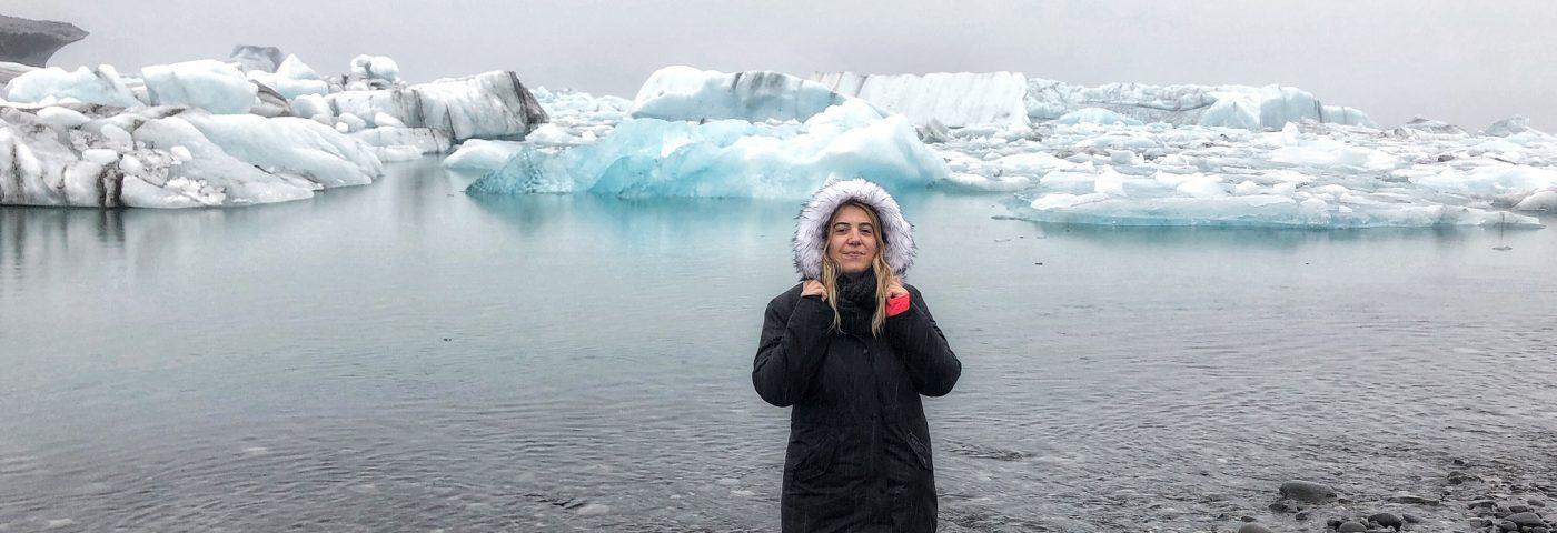 Islandia, entre géiseres, cascadas, montañas, glaciares y aguas termales.