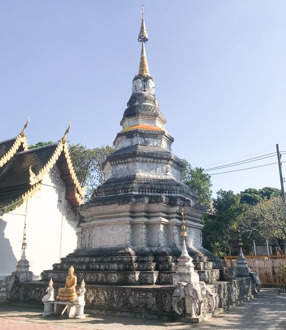 Caras de Buda en Wat Pan Whaen